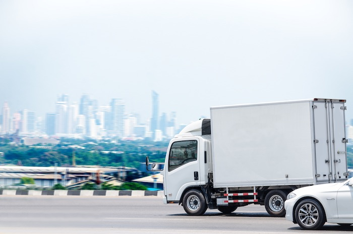 make money with a box truck as an independent contractor